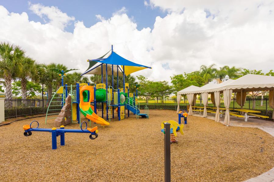 2735 Pienza Circle Royal Palm Beach, FL 33411 photo 28