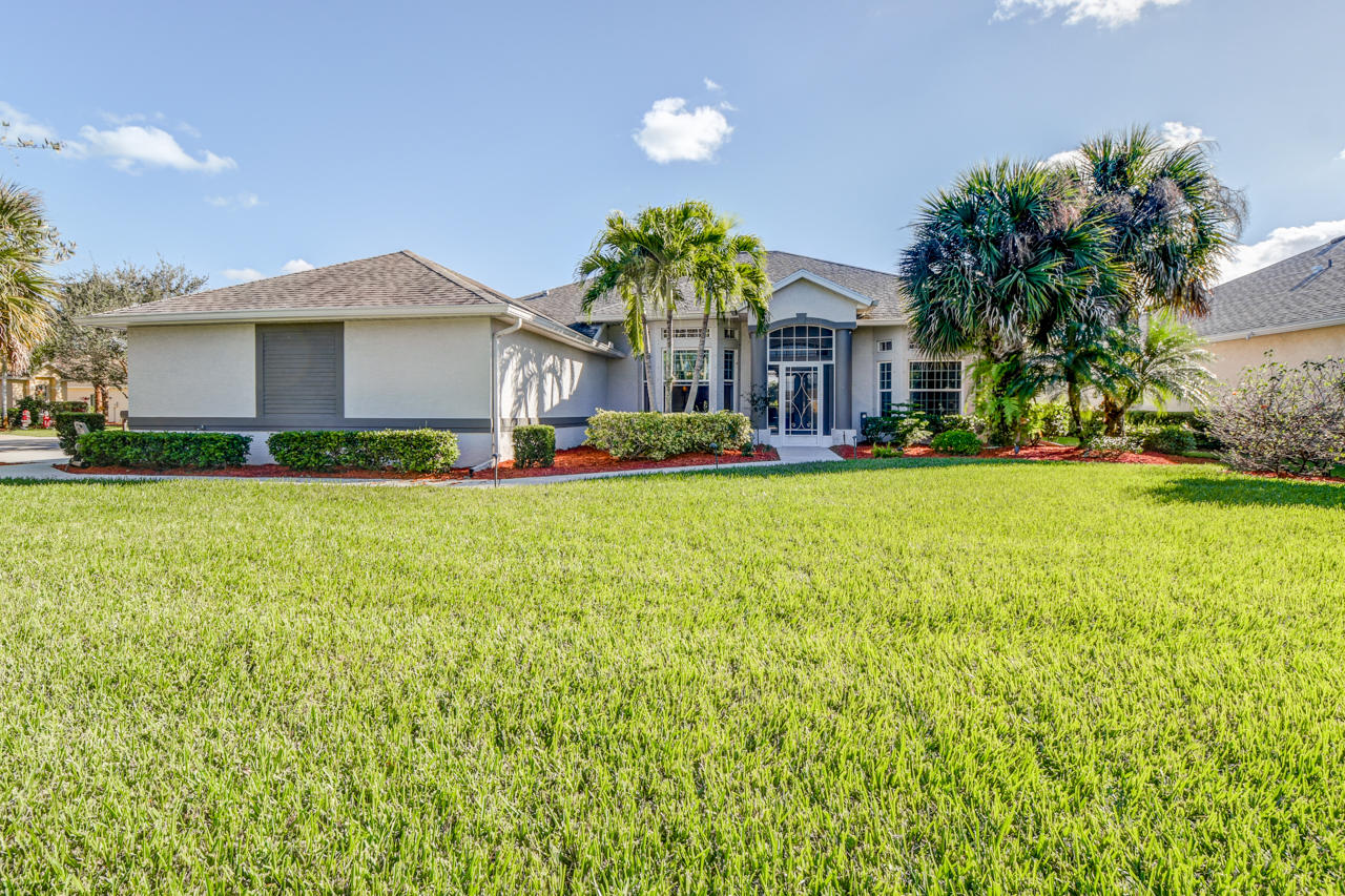 187 SW Snapdragon Circle, Port Saint Lucie, Florida