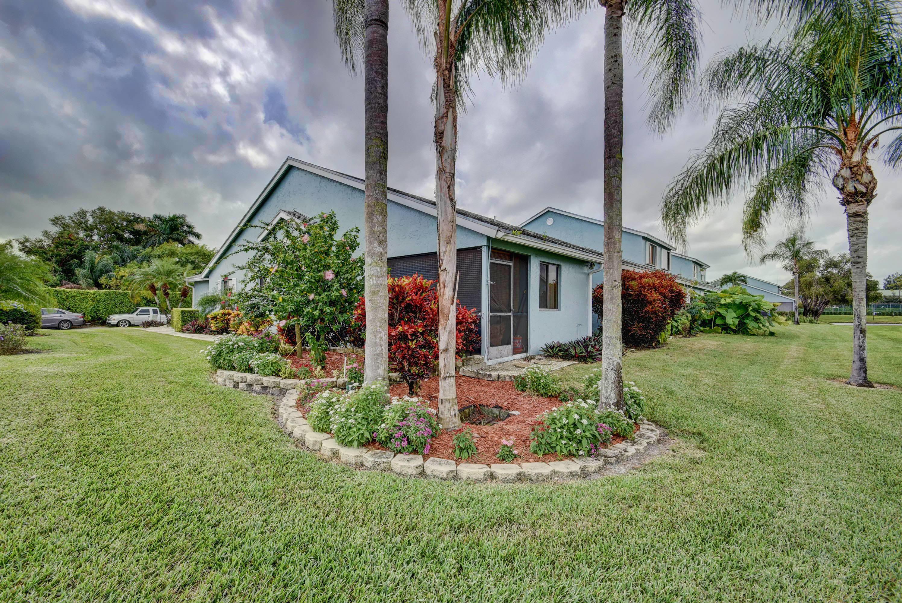 3867 Island Club Circle Lake Worth, FL 33462