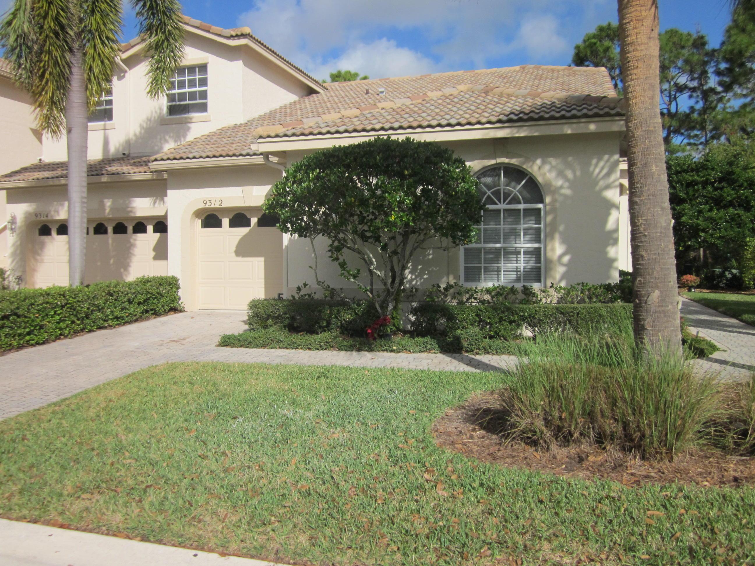 9312  Wentworth Lane, Port Saint Lucie, Florida