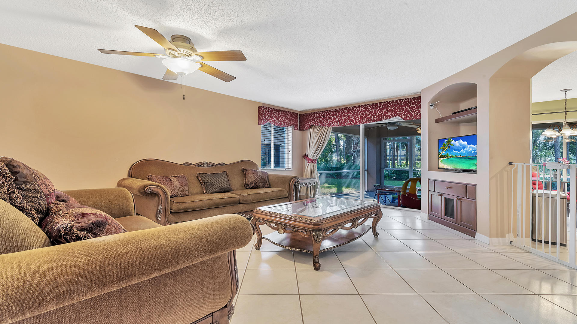 4635 Pinemore Lane Lake Worth, FL 33463 photo 4