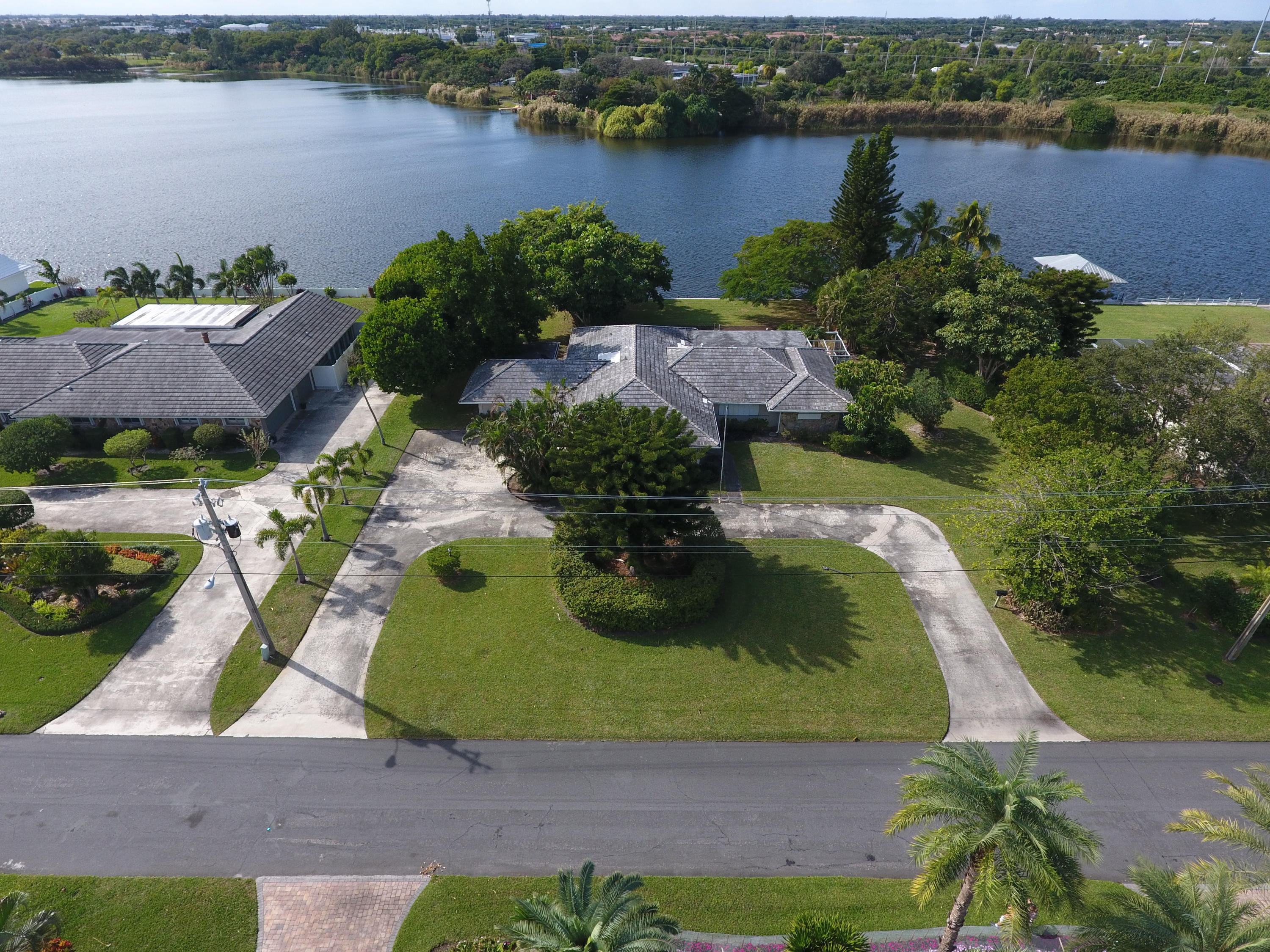 3865 S Lake Drive, Boynton Beach, Florida