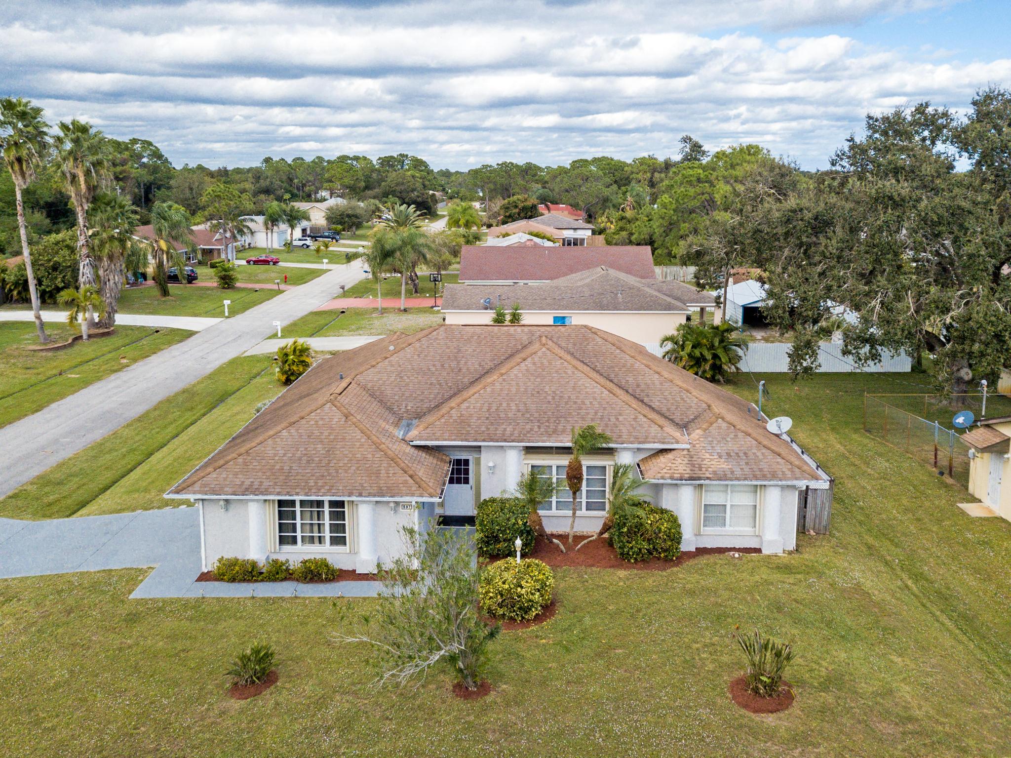 397 NW Kilpatrick Avenue  Port Saint Lucie FL 34983