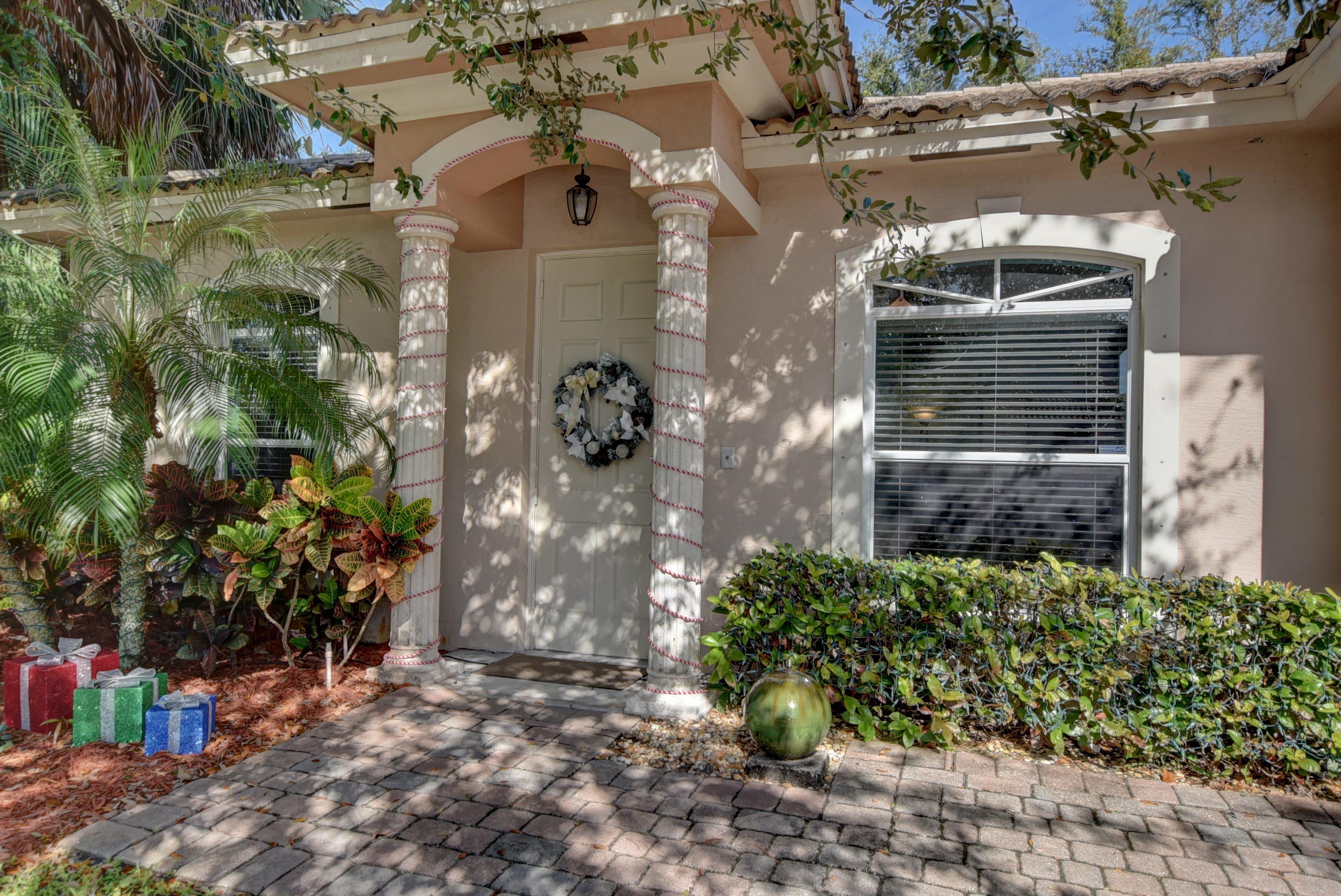 4653 Villas Santorini Drive Lake Worth, FL 33461