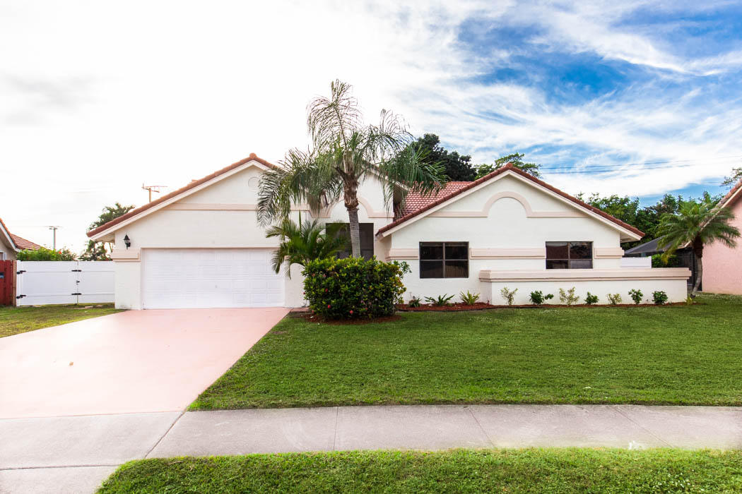9801 Majestic Way  Boynton Beach FL 33437