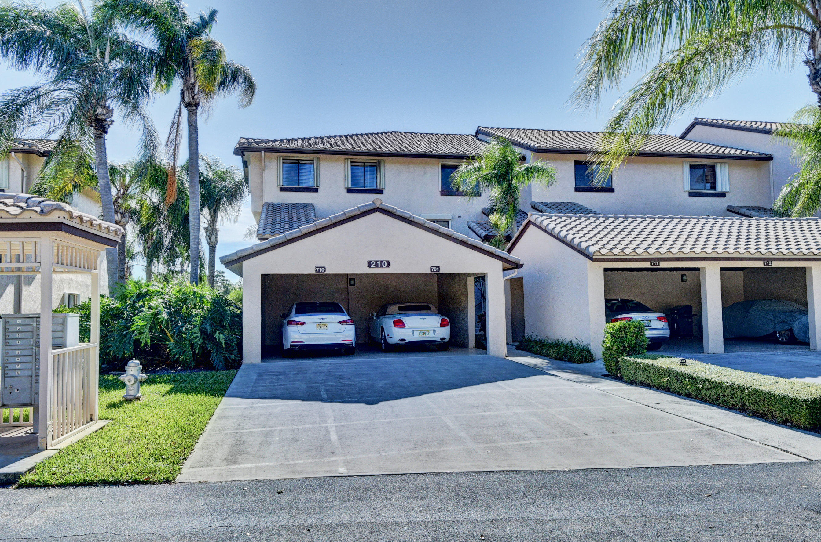 210 Captains Walk 710  Delray Beach, FL 33483