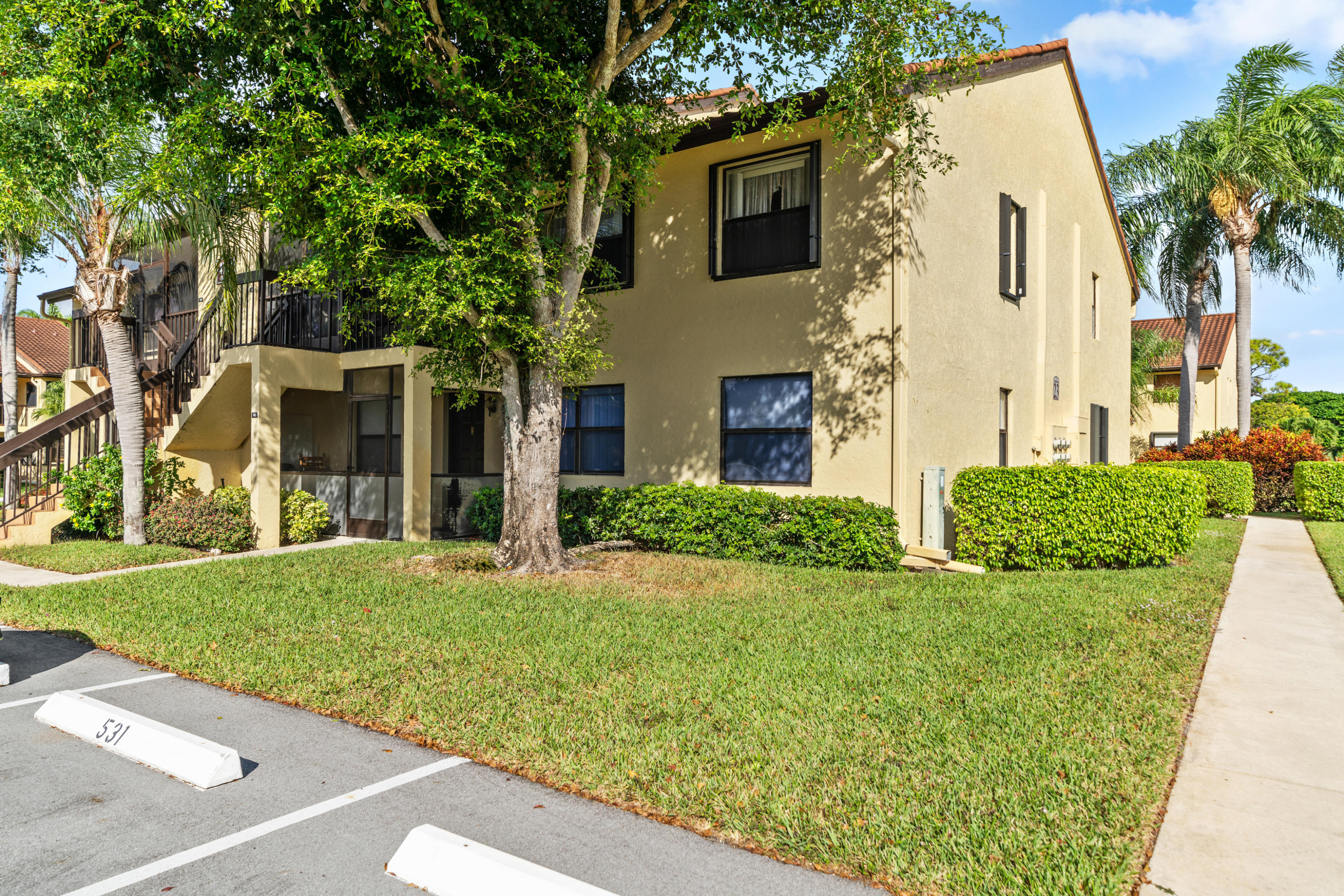 4701 Lucerne Lakes Boulevard 202 Lake Worth, FL 33467