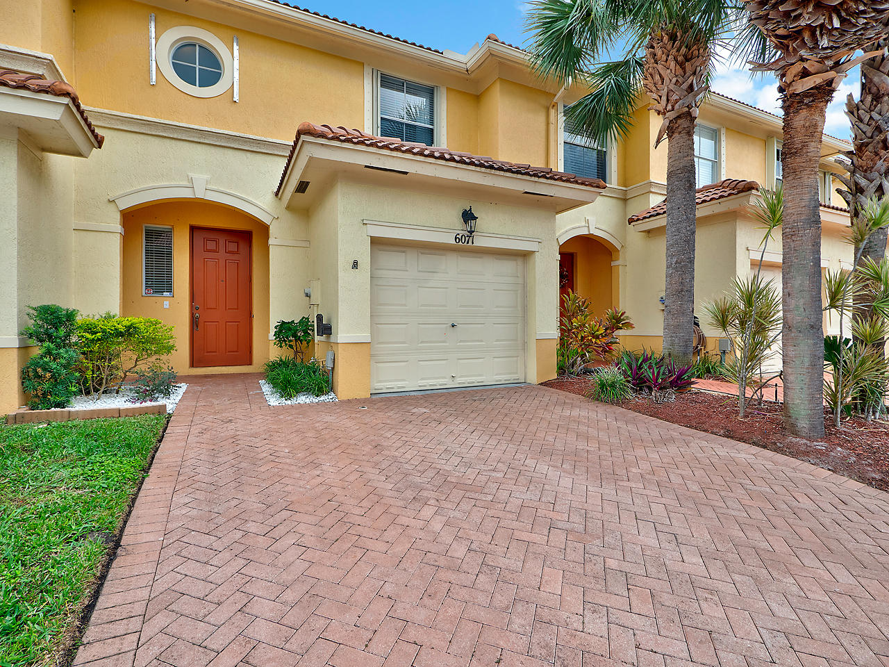 Home for sale in SEMINOLE GARDENS AT WOODBINE Palm Beach Gardens Florida