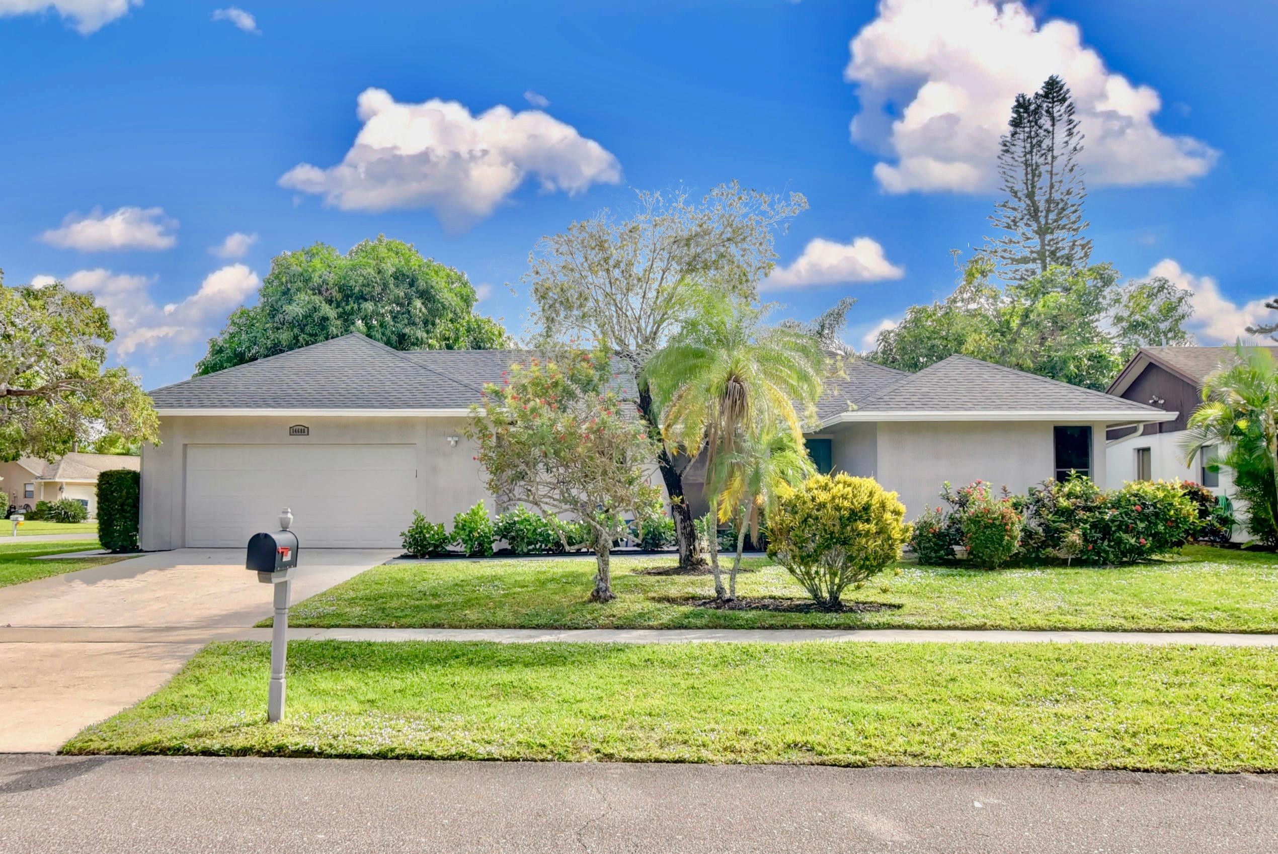 14688 Hideaway Lake Lane  Delray Beach, FL 33484