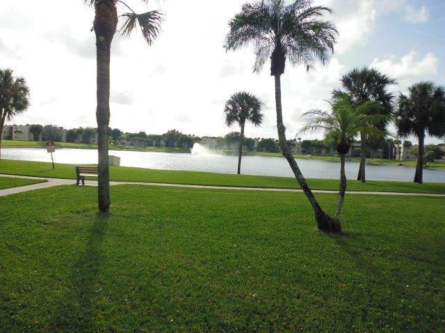 5130 Las Verdes Circle 219 Delray Beach, FL 33484 photo 9