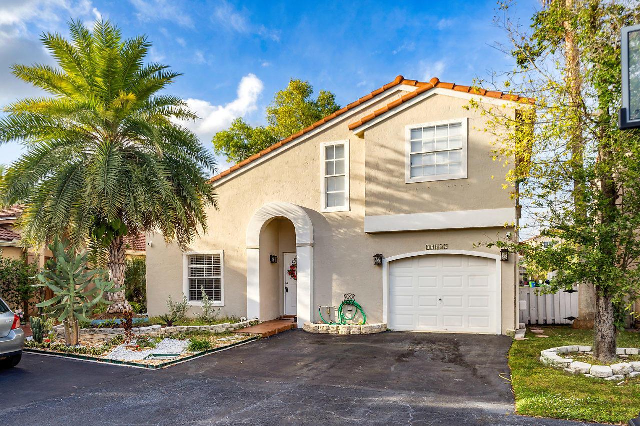 Home for sale in SAVANNAH P U D PLAT 3 Sunrise Florida