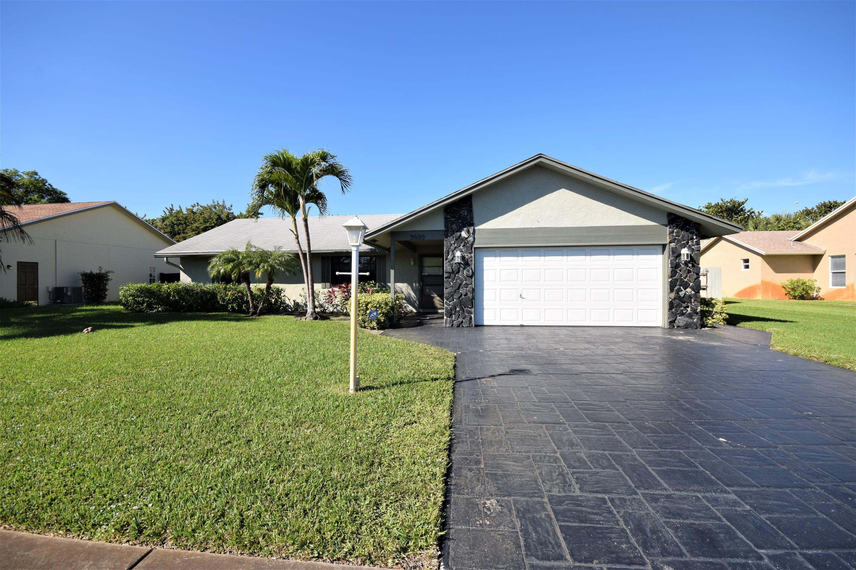 Home for sale in LAKE VIEW HAVEN Boynton Beach Florida