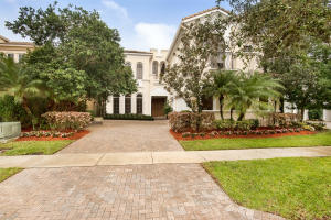 17763  Lake Azure Way  For Sale 10489015, FL