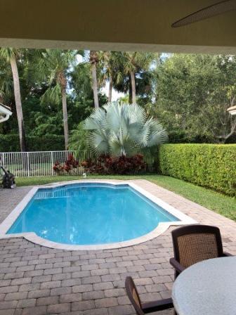 127 Palm Beach Plantation Boulevard Royal Palm Beach, FL 33411 photo 23