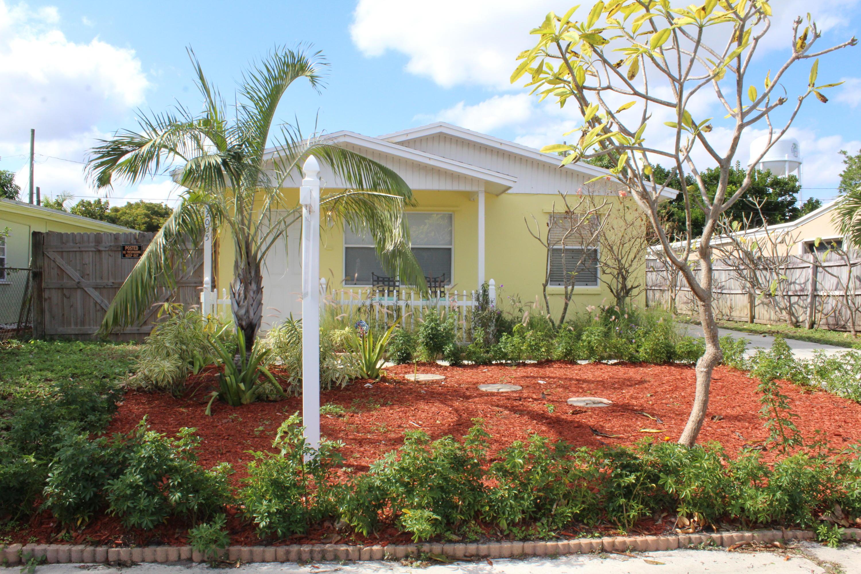 2005 Park Street Lake Worth, FL 33460
