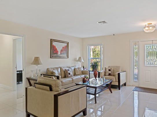 277 Via Hermosa West Palm Beach, FL 33415 photo 10