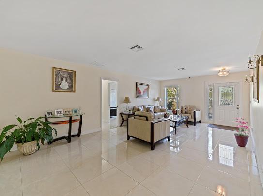 277 Via Hermosa West Palm Beach, FL 33415 photo 11
