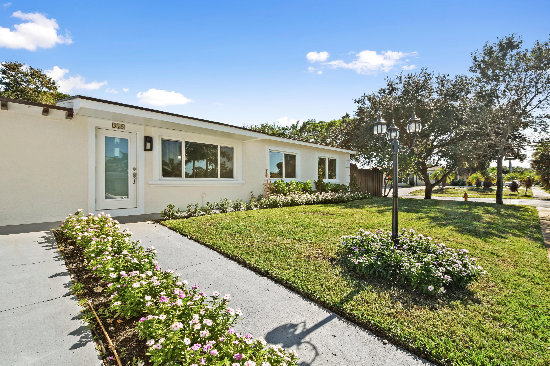 726 Wright Drive Lake Worth, FL 33461