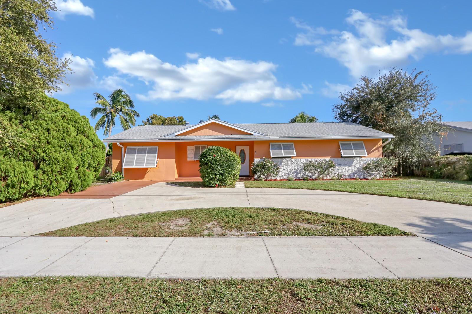 736 Prosperity Farms Road, North Palm Beach, Florida 33408, 3 Bedrooms Bedrooms, ,2 BathroomsBathrooms,A,Single family,Prosperity Farms,RX-10489697
