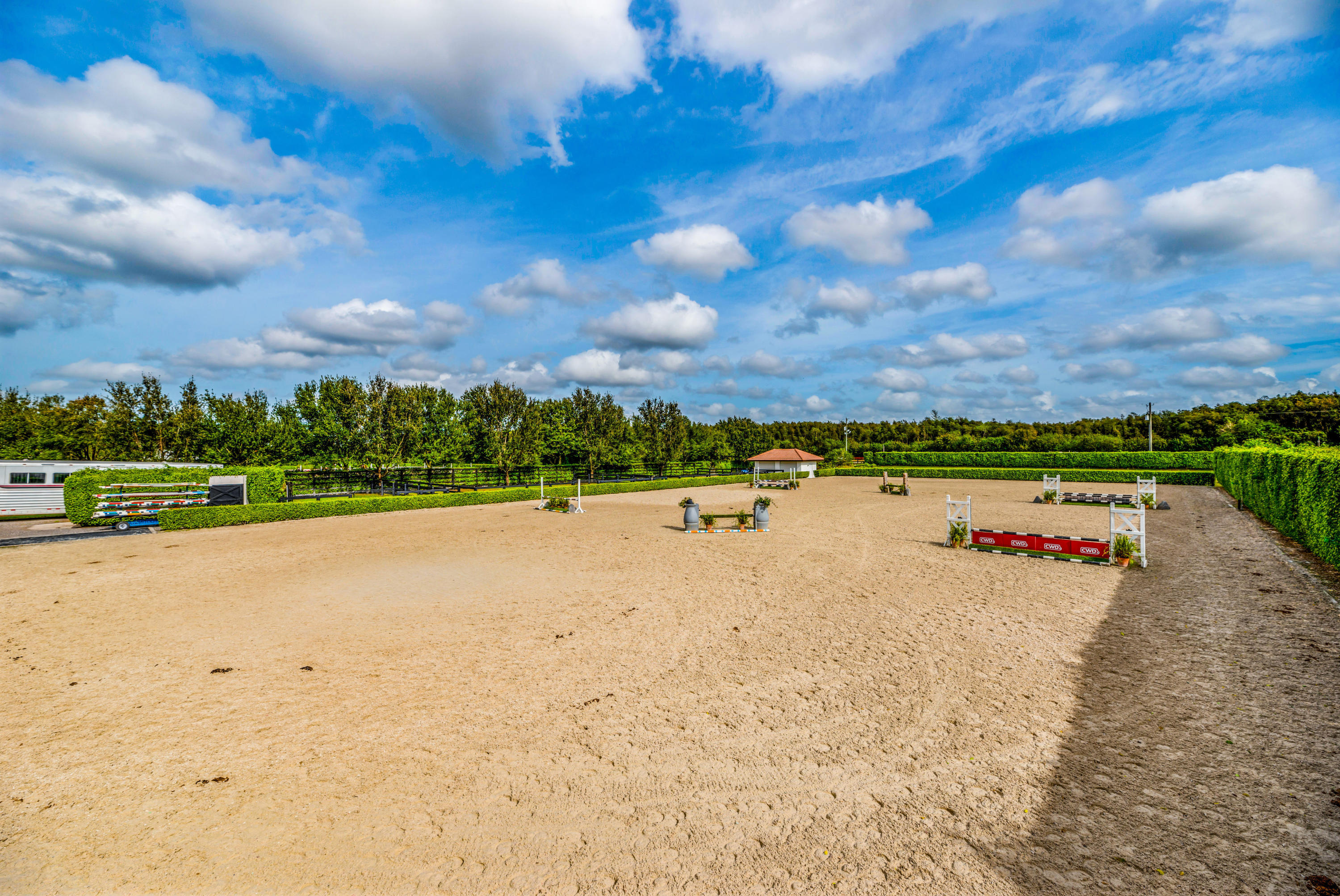 EQUESTRIAN CLUB HOMES FOR SALE