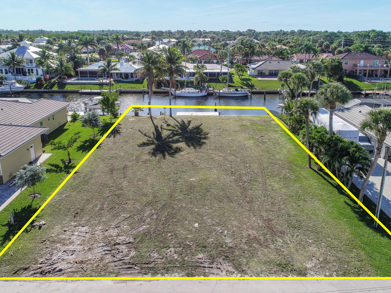 Home for sale in TREASURE COVE Hobe Sound Florida