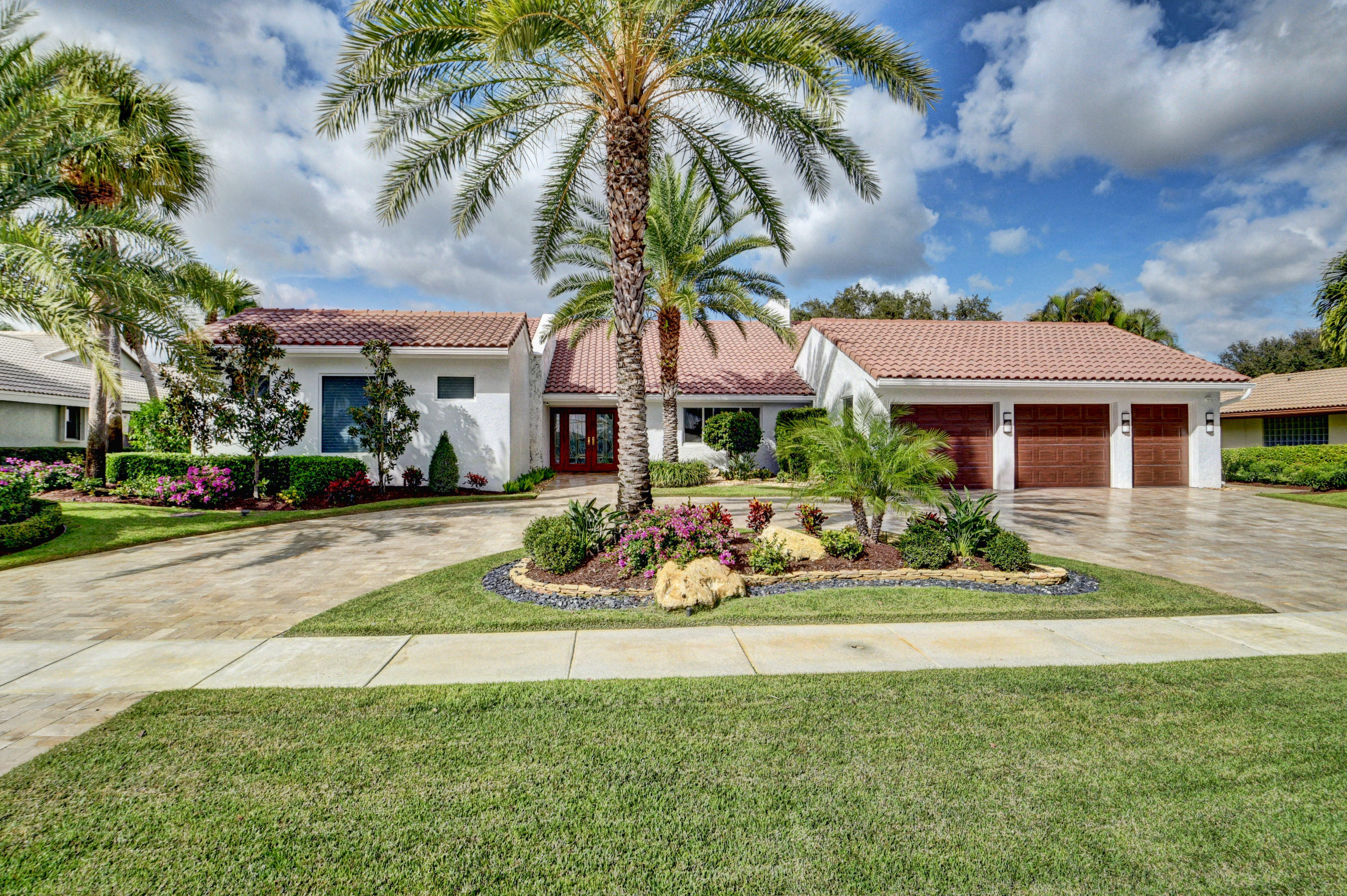 16621 Sweet Bay Drive  Delray Beach, FL 33445