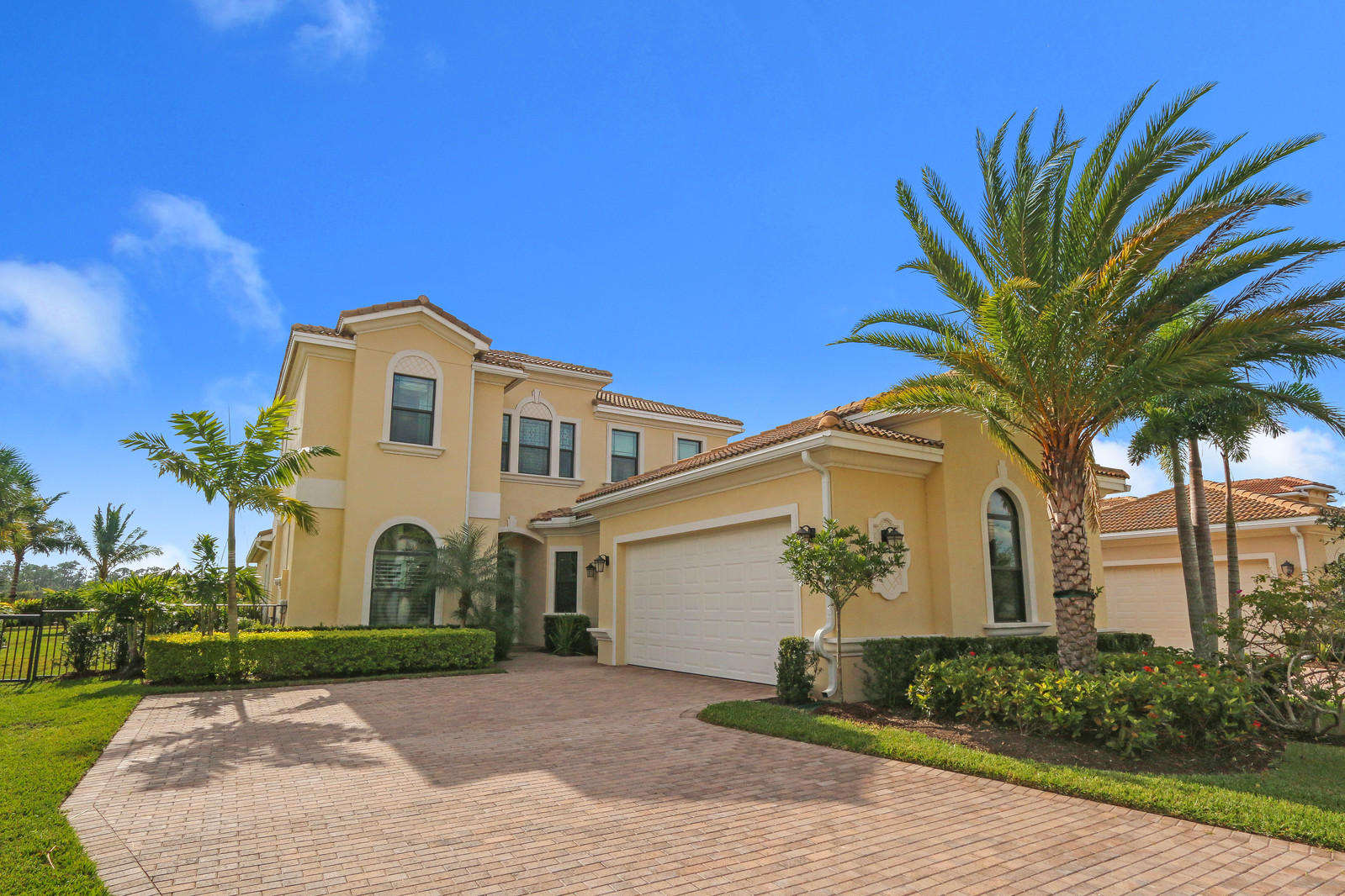 6833 Sparrow Hawk Drive West Palm Beach, FL 33412