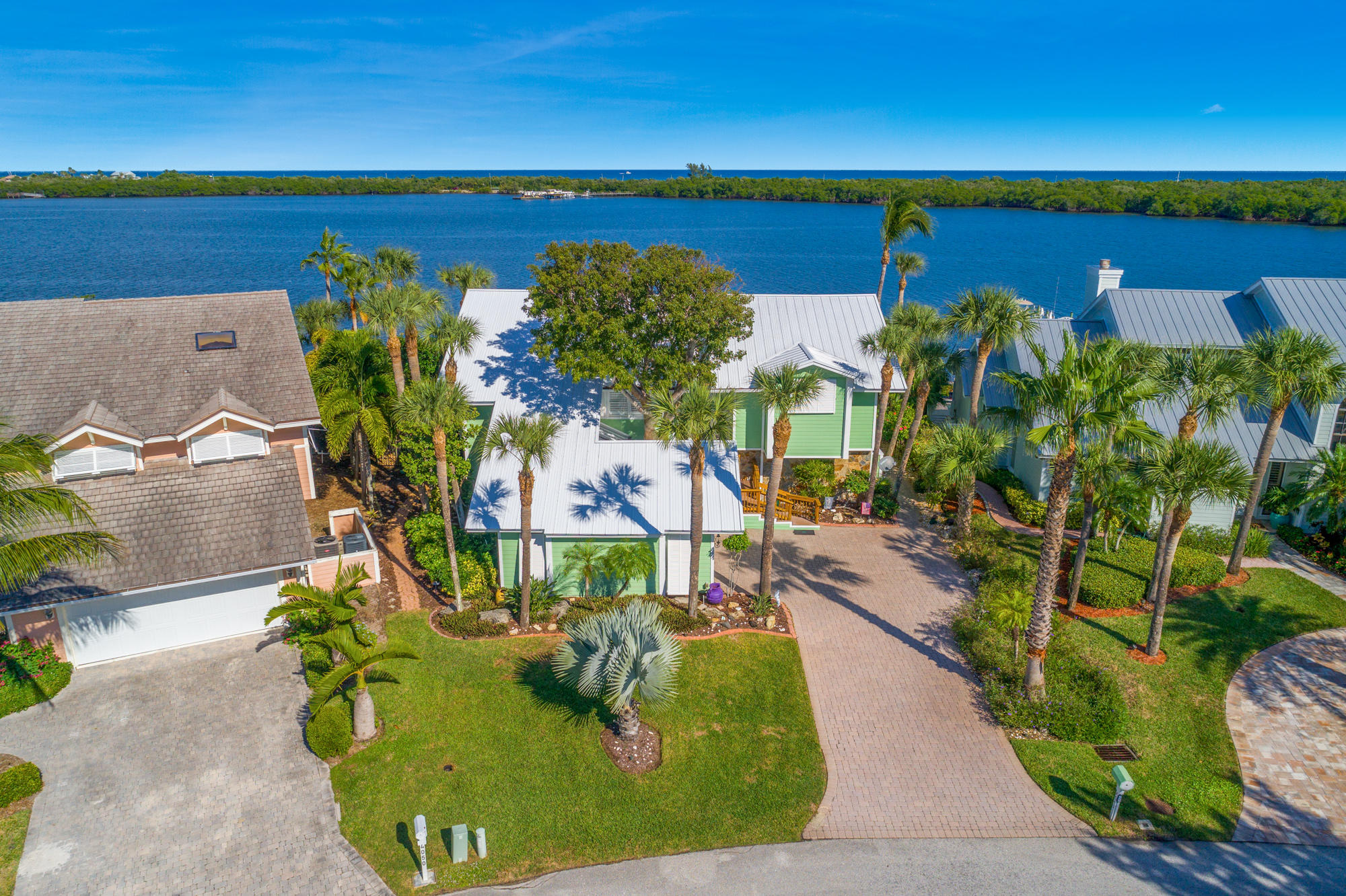 4040 NE Joes Point Road, Stuart, Florida