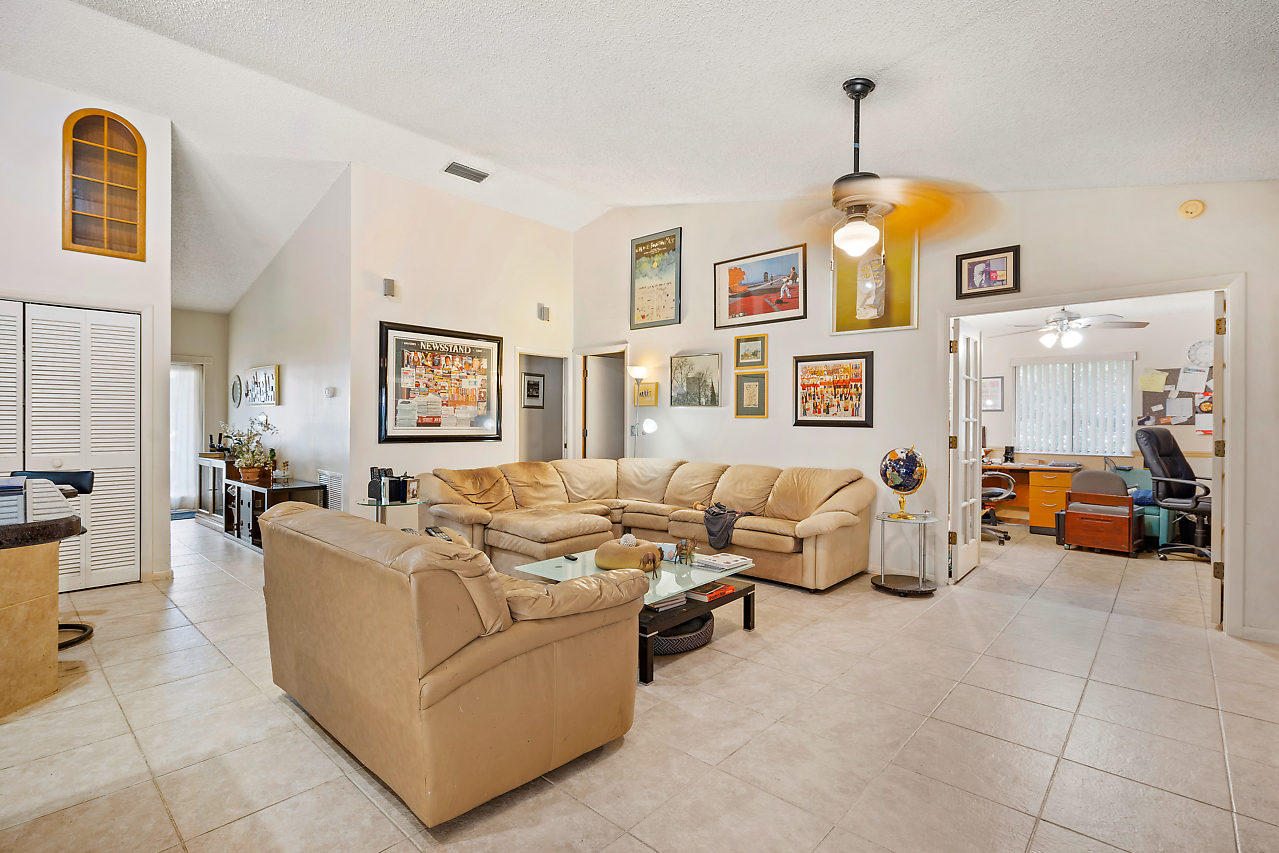 9296 Talway Circle Boynton Beach FL 33472 - photo 10