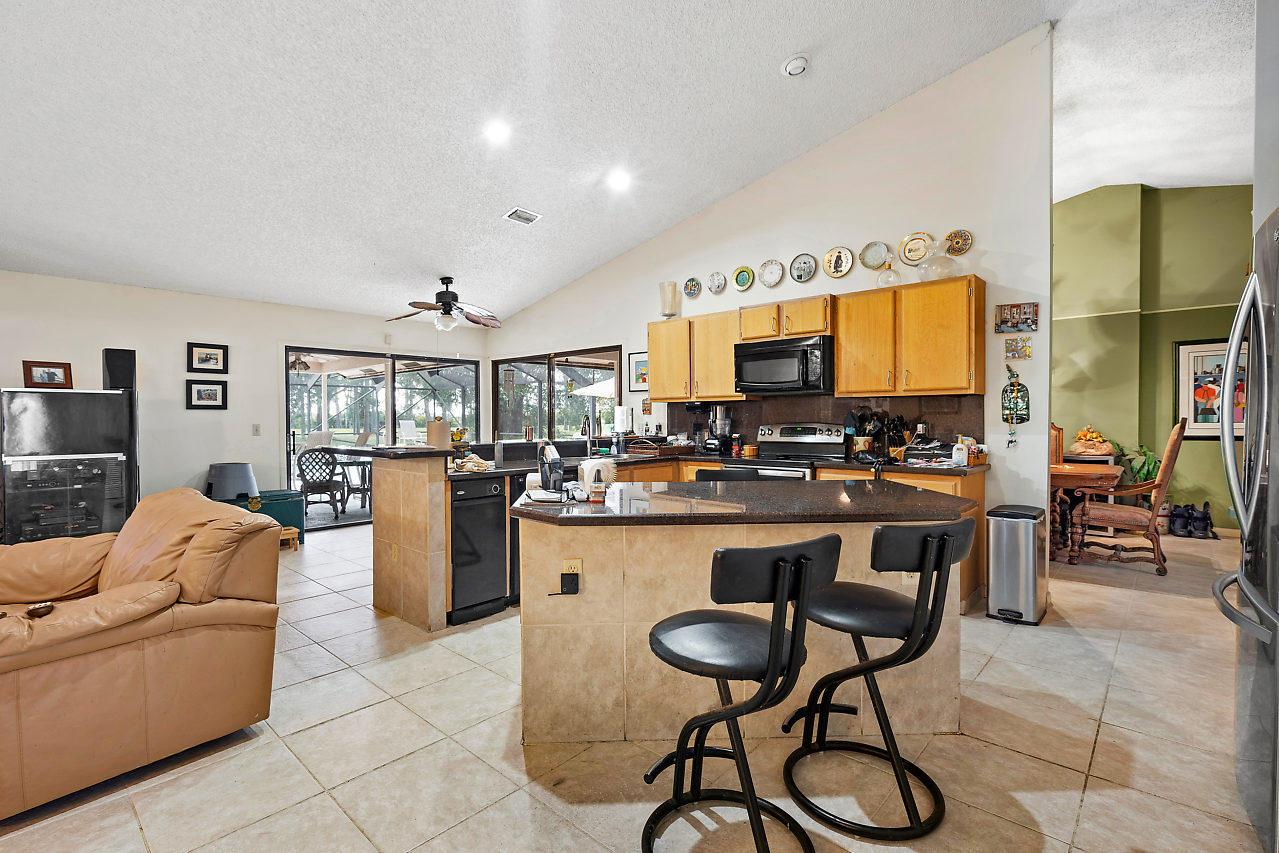 9296 Talway Circle Boynton Beach FL 33472 - photo 4