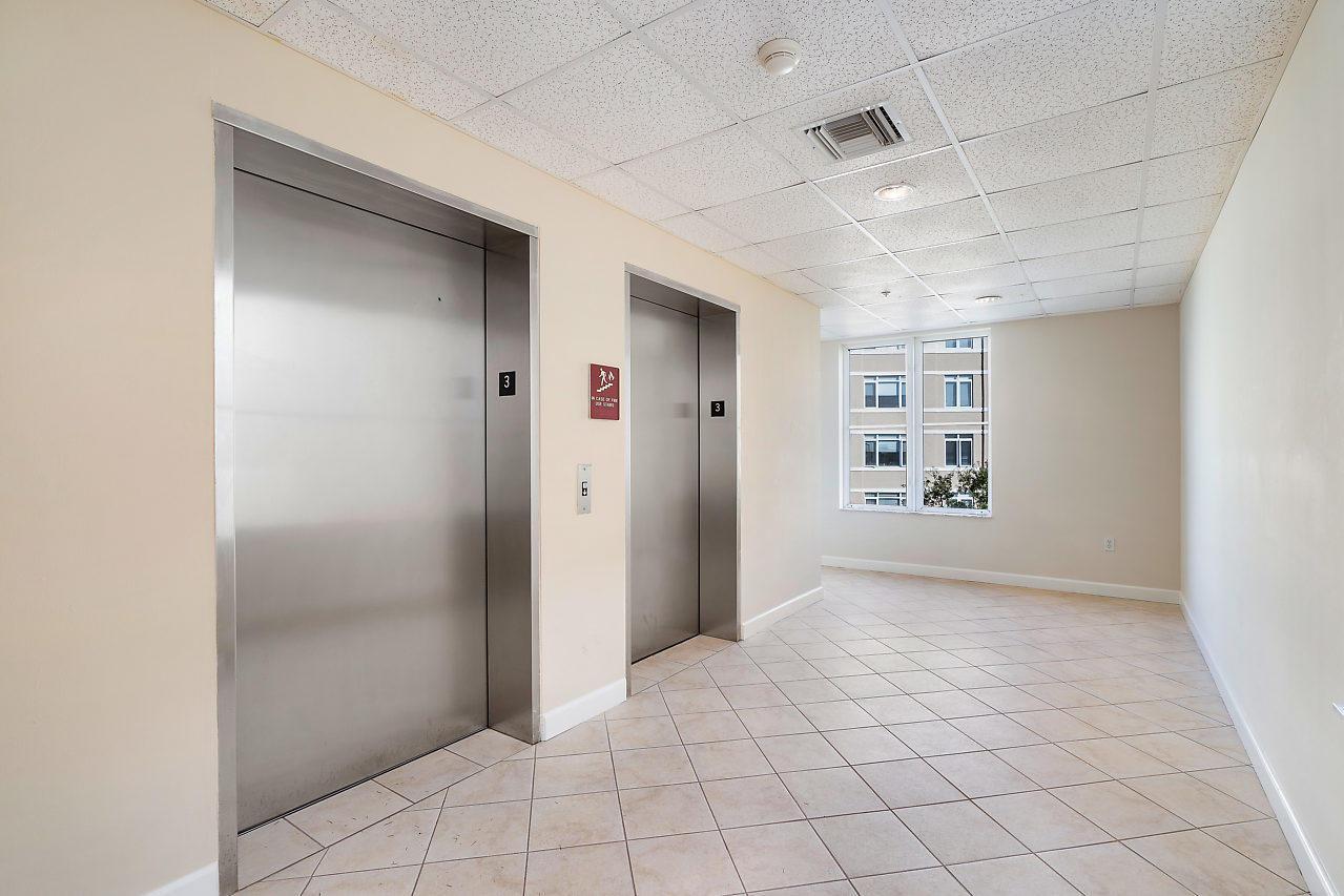 1209 Main Street 306, Jupiter, Florida 33458, 1 Bedroom Bedrooms, ,1 BathroomBathrooms,A,Condominium,Main,RX-10490073