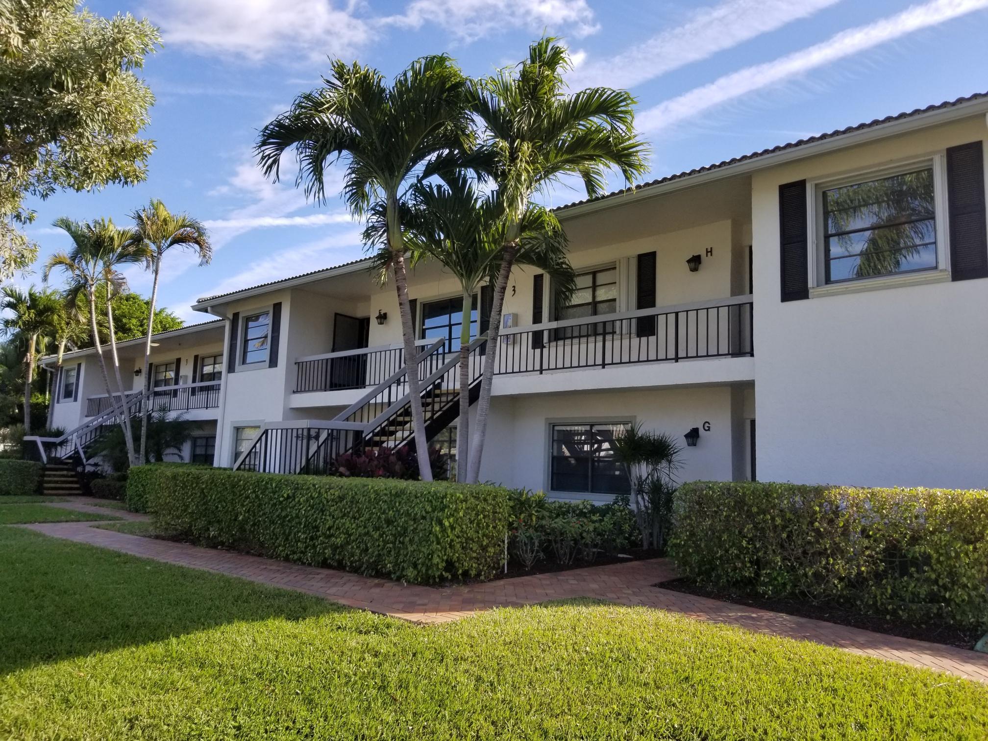 3 Stratford Drive F Boynton Beach, FL 33436