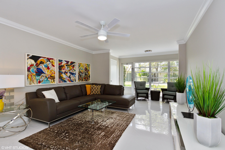 PALM GREENS AT VILLA DEL RAY CONDO II home 13702 Via Flora Delray Beach FL 33484
