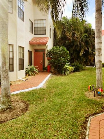 LEXINGTON CLUB VILLAS CONDO home 7665 Lexington Club Boulevard Delray Beach FL 33446