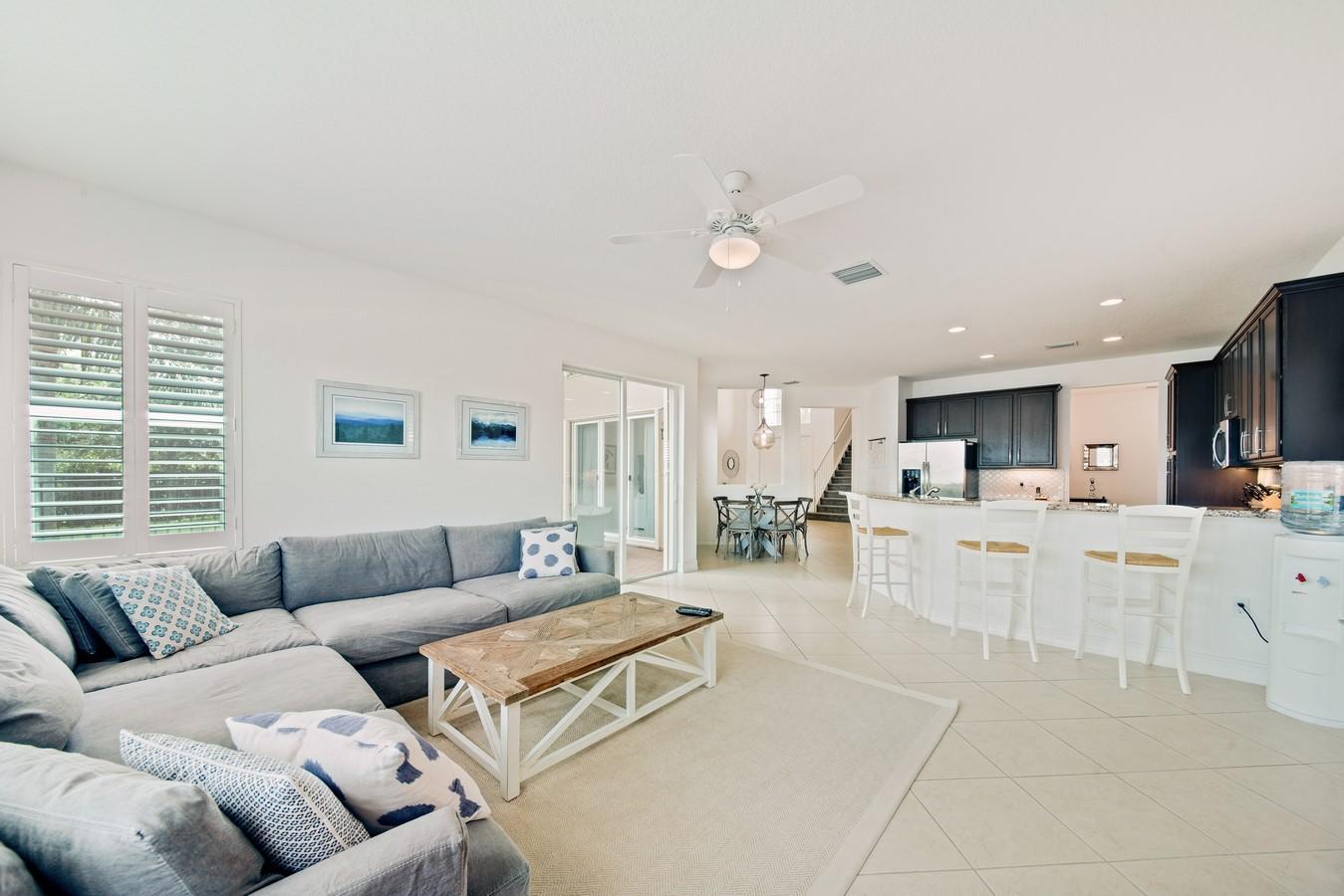 8452 Calabria Lakes Drive Boynton Beach, FL 33473 photo 16
