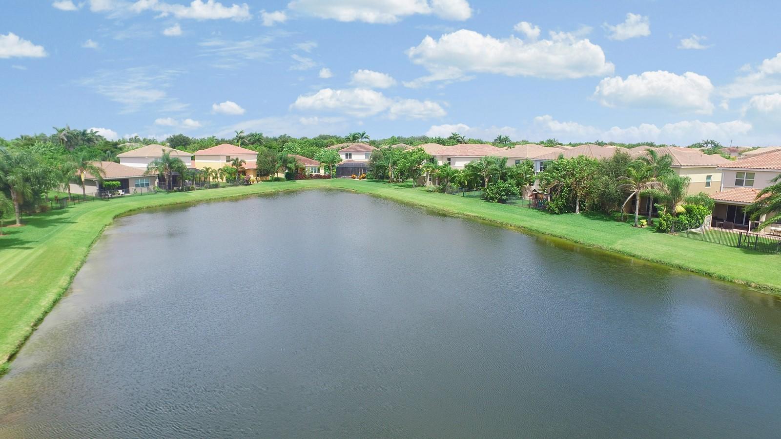 8452 Calabria Lakes Drive Boynton Beach, FL 33473 photo 42