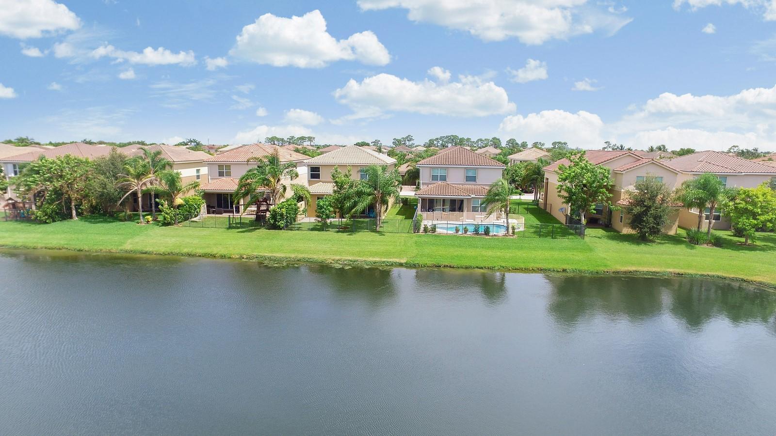 8452 Calabria Lakes Drive Boynton Beach, FL 33473 photo 43