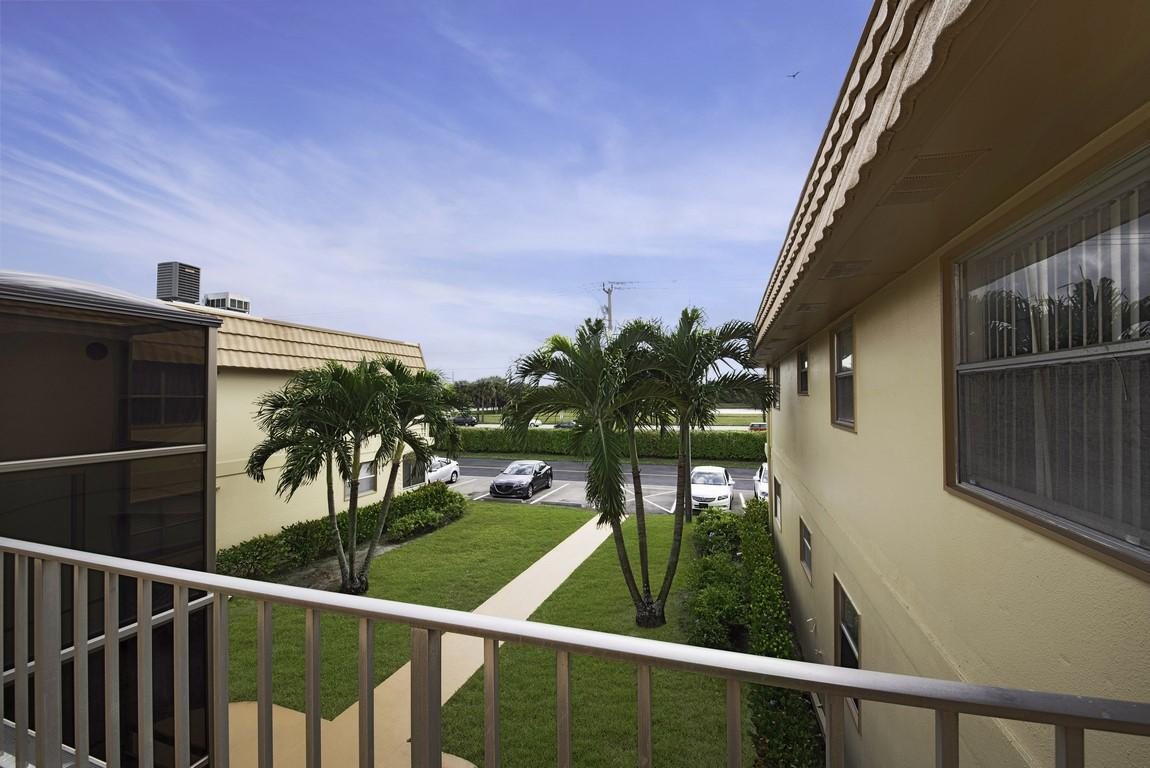 229 Saxony E Delray Beach, FL 33446 photo 20