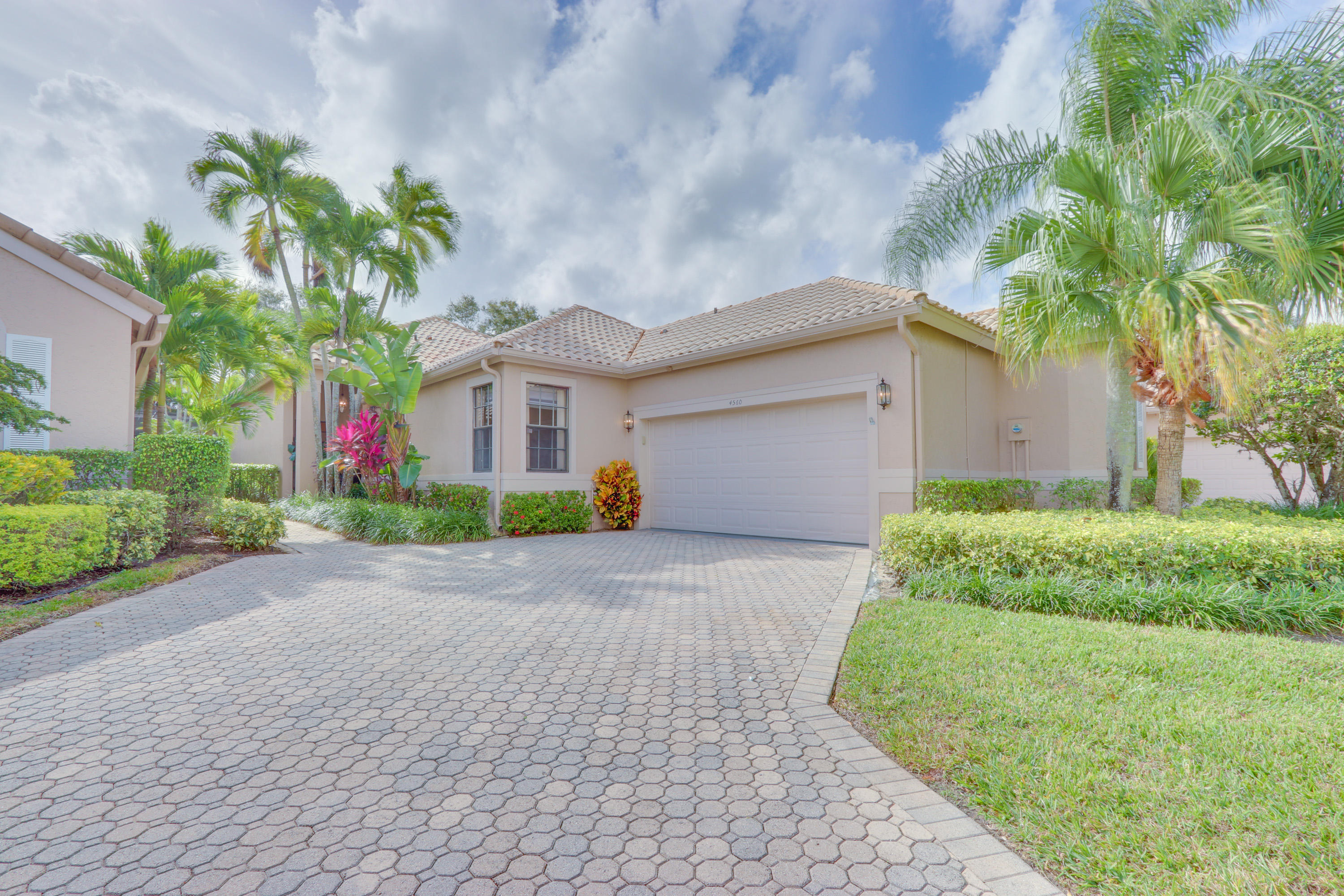 4560 Barclay Fair Way Wellington, FL 33449
