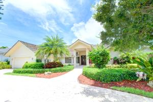 DELAIRE COUNTRY CLUB home 16890 Silver Oak Circle Delray Beach FL 33445