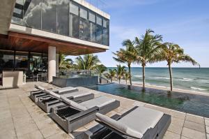 3715 S Ocean Boulevard , Highland Beach FL 33487 is listed for sale as MLS Listing RX-10494037 photo #3