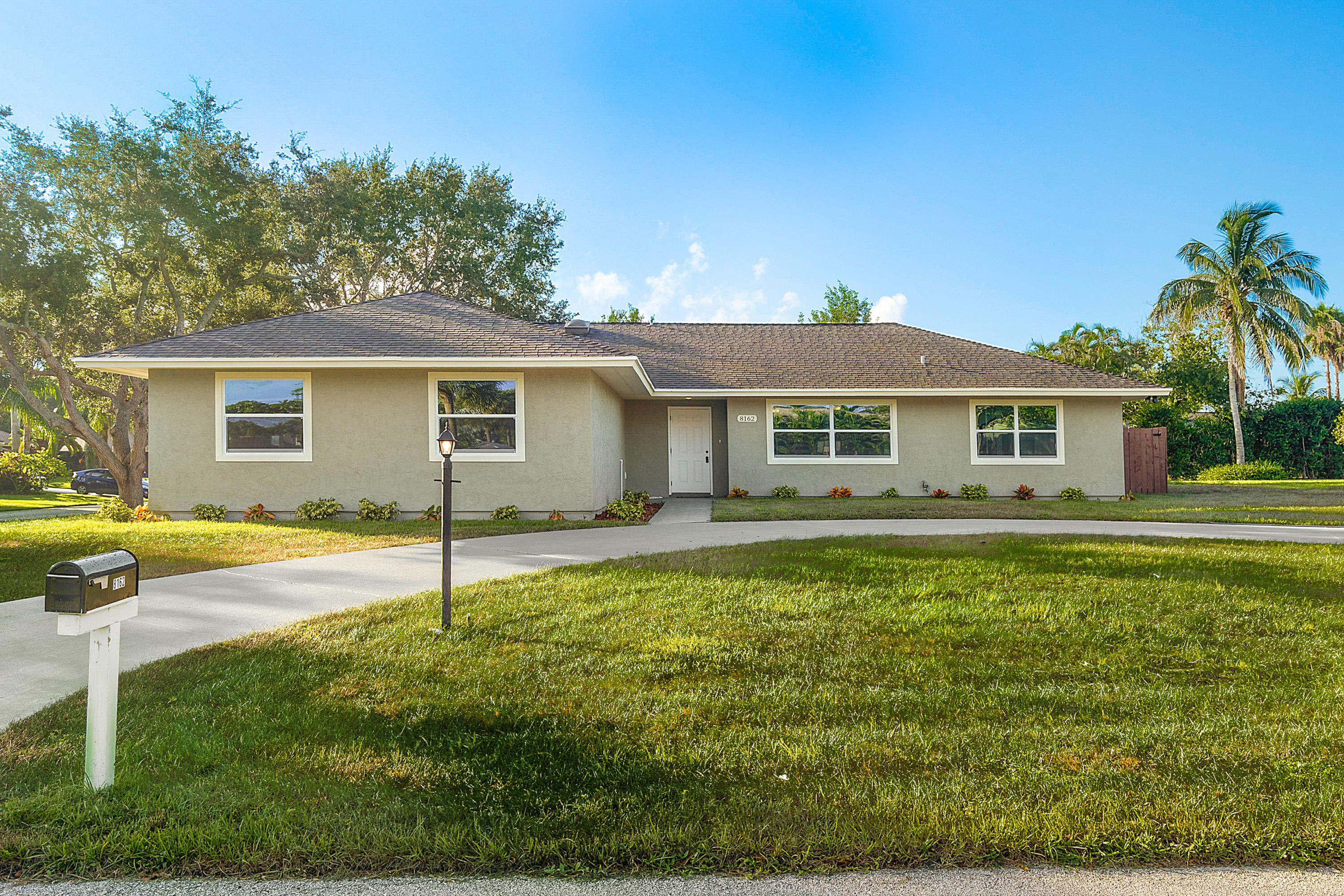 Home for sale in HERITAGE PLANTATION Hobe Sound Florida