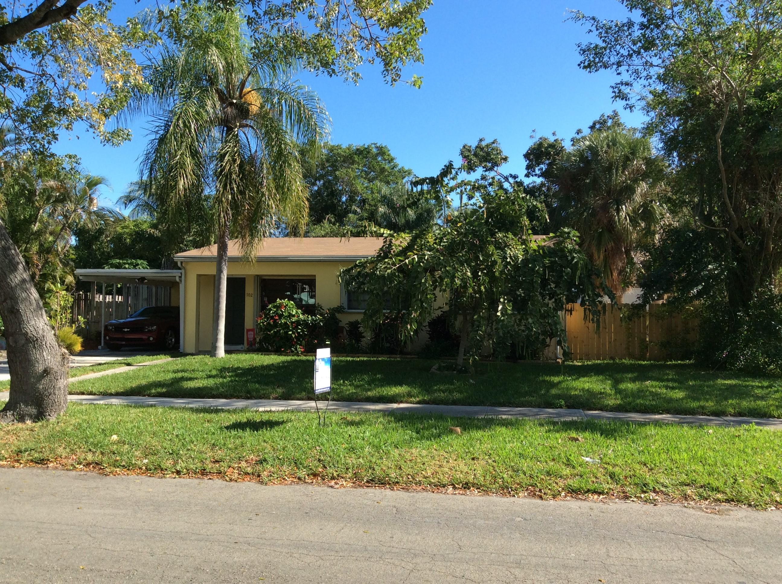 702 Wright Drive Lake Worth, FL 33461