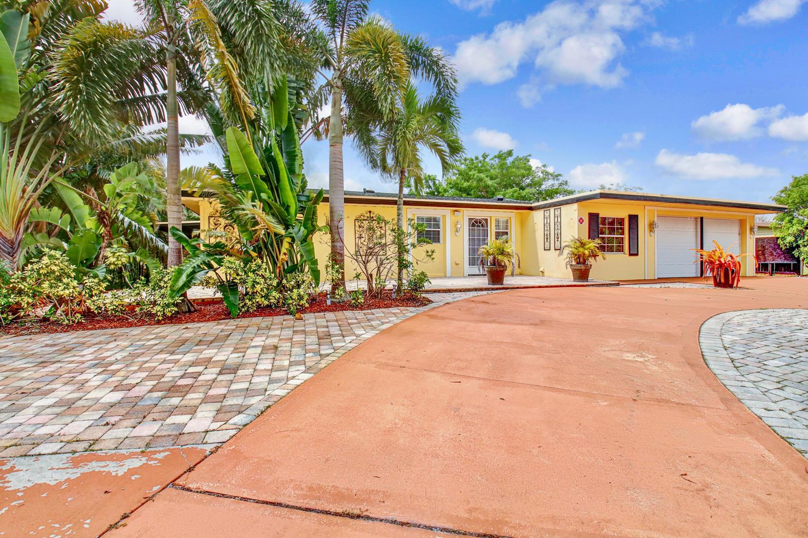750 SE Prima Vista Boulevard, Port Saint Lucie, Florida