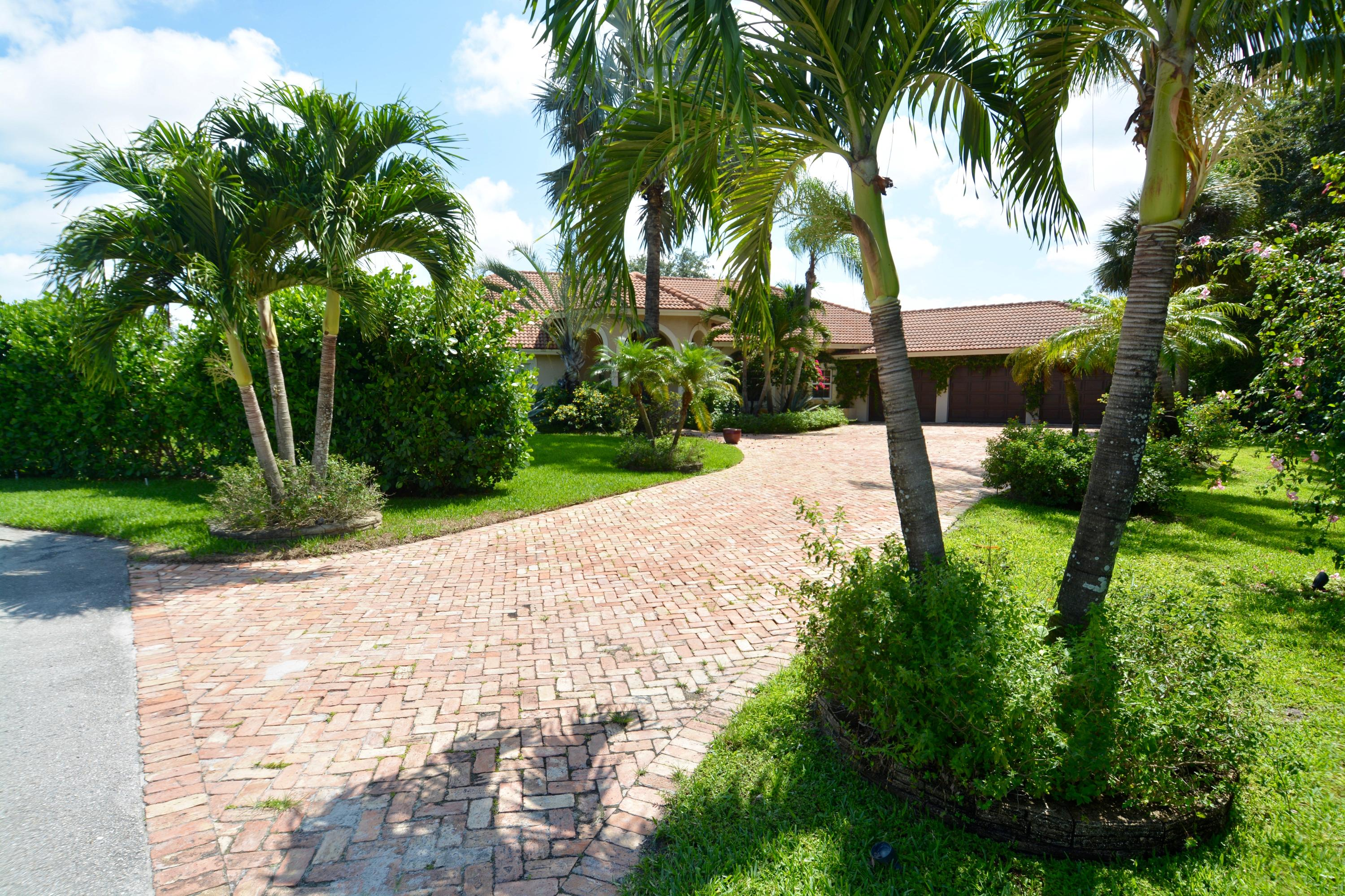 15082 Tall Oak Avenue  Delray Beach, FL 33446