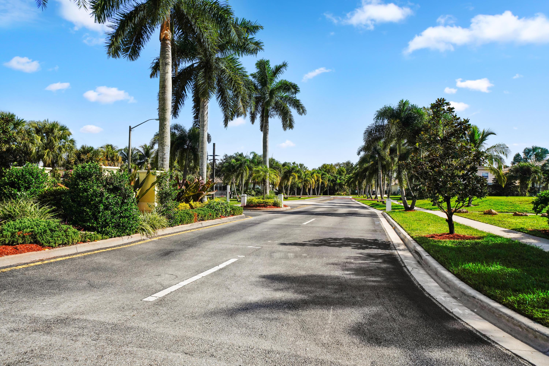 2146 Bellcrest Circle Royal Palm Beach, FL 33411