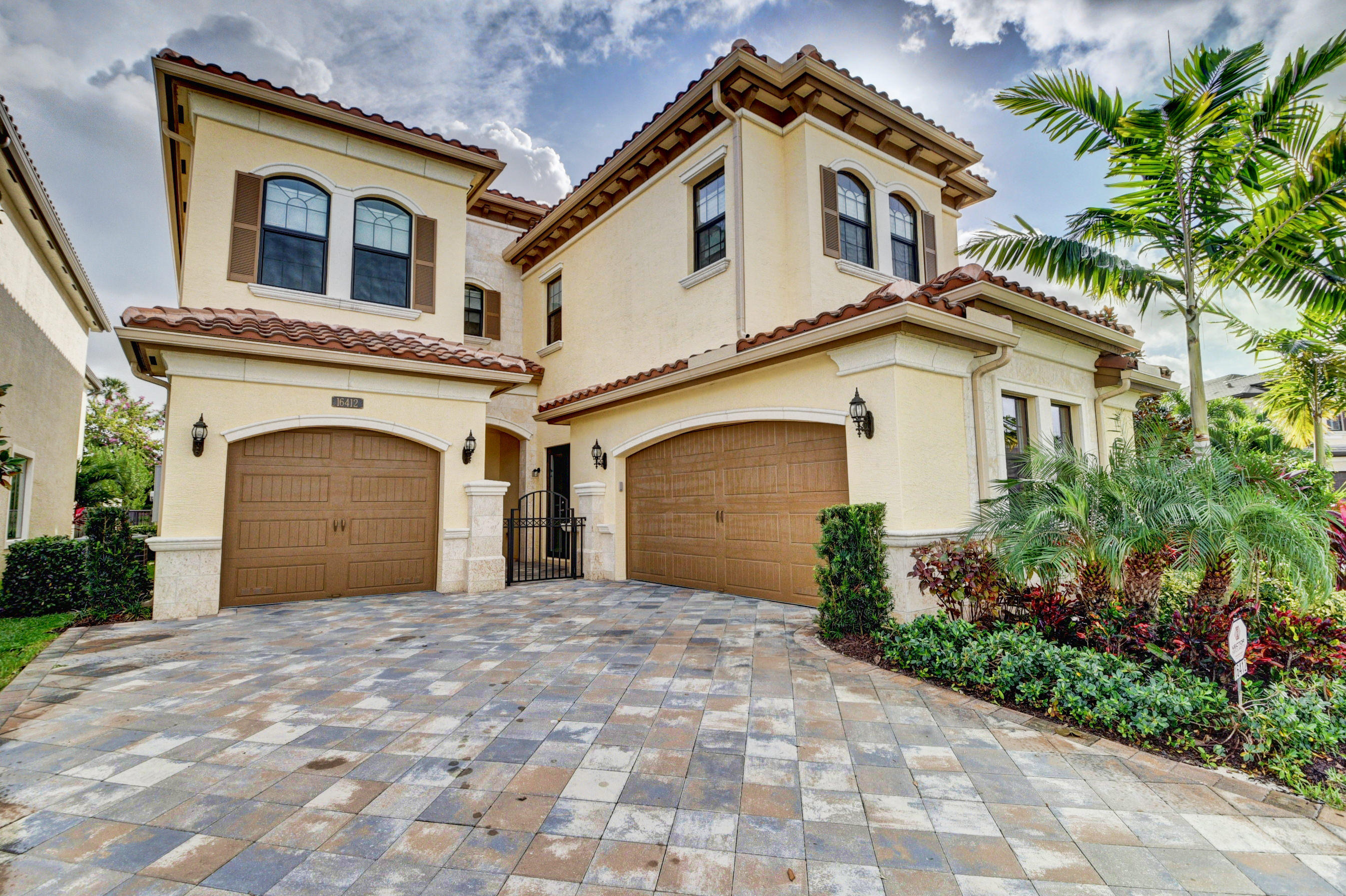 16412 Pantheon Pass  Delray Beach, FL 33446