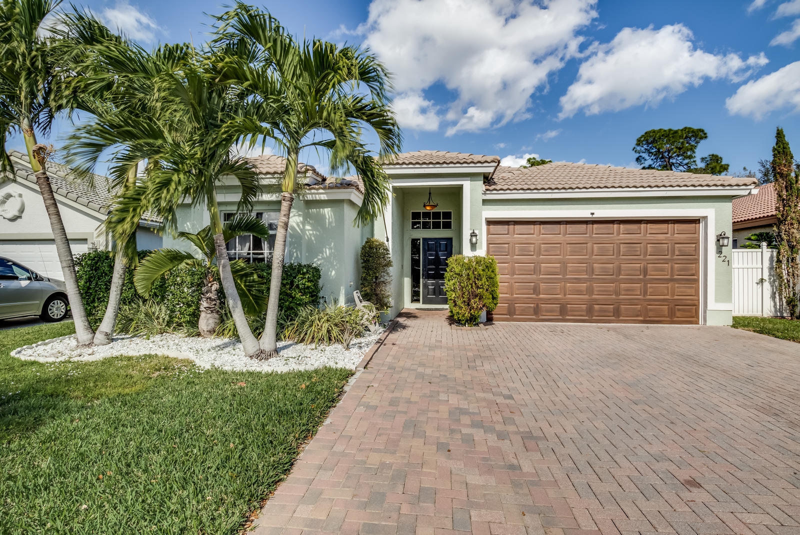 221 Preserve Court Royal Palm Beach, FL 33411