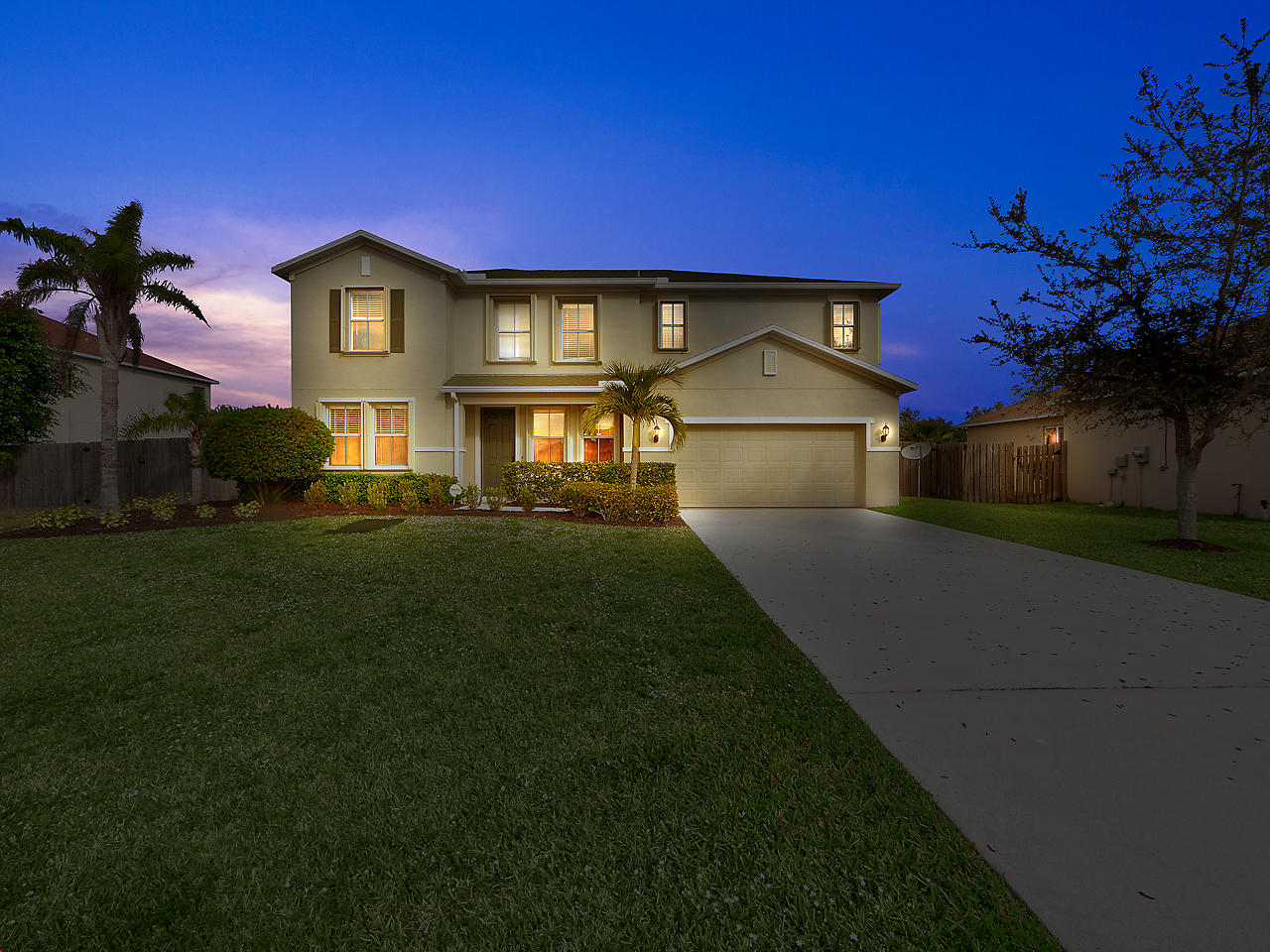 5841 NW Drill Court, Port Saint Lucie, Florida