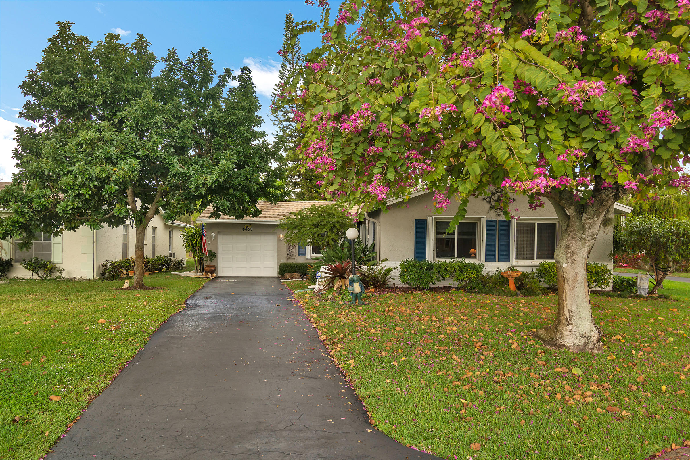 Home for sale in LUCERNE LAKES HOMES VILLAGE I 1ST ADD AS Lake Worth Florida